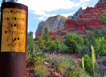 Sedona Hiking Trail Post